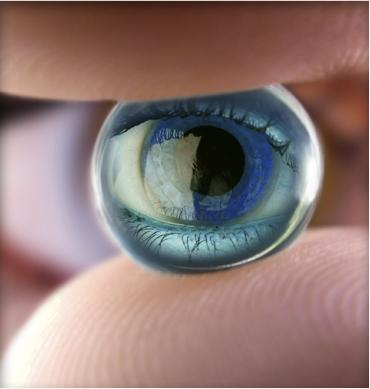 d625475806 Los lentes de contacto rígidos son elaborados a partir de un botón de  material plástico que es pasado en su proceso de fabricación por unos  tornos para ...